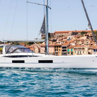 Jeanneau 60 Yacht sailing at anchor.jpg