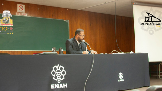 Dr. Carlos Arturo 2.jpg