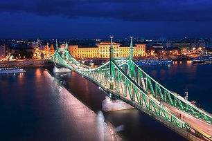 budapest-pictures-bridge-night.jpg