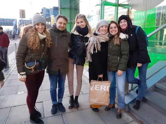 201911_Annik Friends