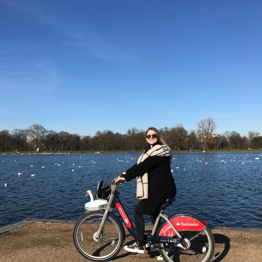201901_Samira Bike