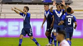 Liga Profesional: Vélez goleo a Unión y sigue puntero de la zona B