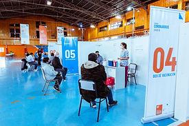 Tierra del Fuego: Vacunando a mayores de 60 y personas de 55 a 59 años con factores de riesgo