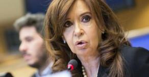 """Carta de Cristina Fernández: Preocupada por la economía y críticas a funcionarios que """"no funcionan"""""""