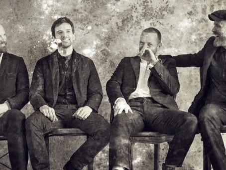 Η αξιοπερίεργη επιστροφή των Coldplay