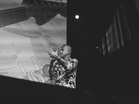 Ο Δημήτρης Παπανδρέου θέλει να βρούμε το χαμένο vibe μας στο Gimme Shelter Film Festival