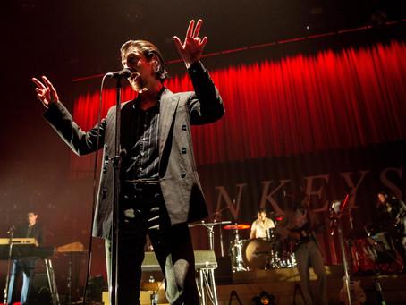 Άκου μία ακυκλοφόρητη live version του 'Arabella' από τους Arctic Monkeys