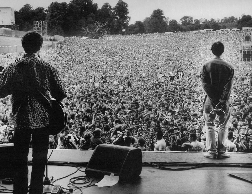 Η ιστορική εμφάνιση των Oasis στο Knebworth γίνεται ντοκιμαντέρ