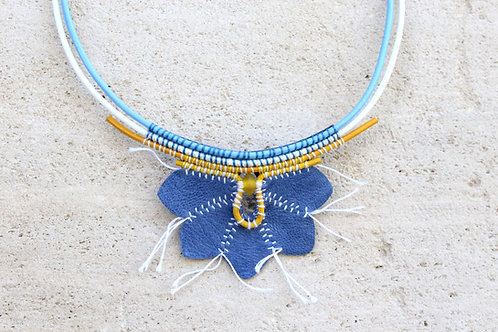 COLLIER ANEMONE HEPATIQUE BLEUE