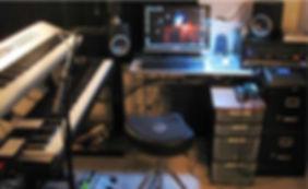 my-basic-home-recording-studio-550.jpg