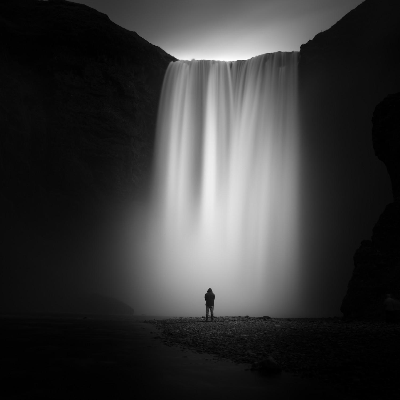Black and white long exposure photography nikon d800e zeiss 35mm firecrest 10 stop nd filter skogafoss iceland