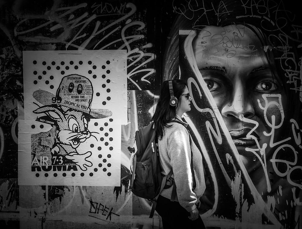 Bag Snatcher, London, street photography