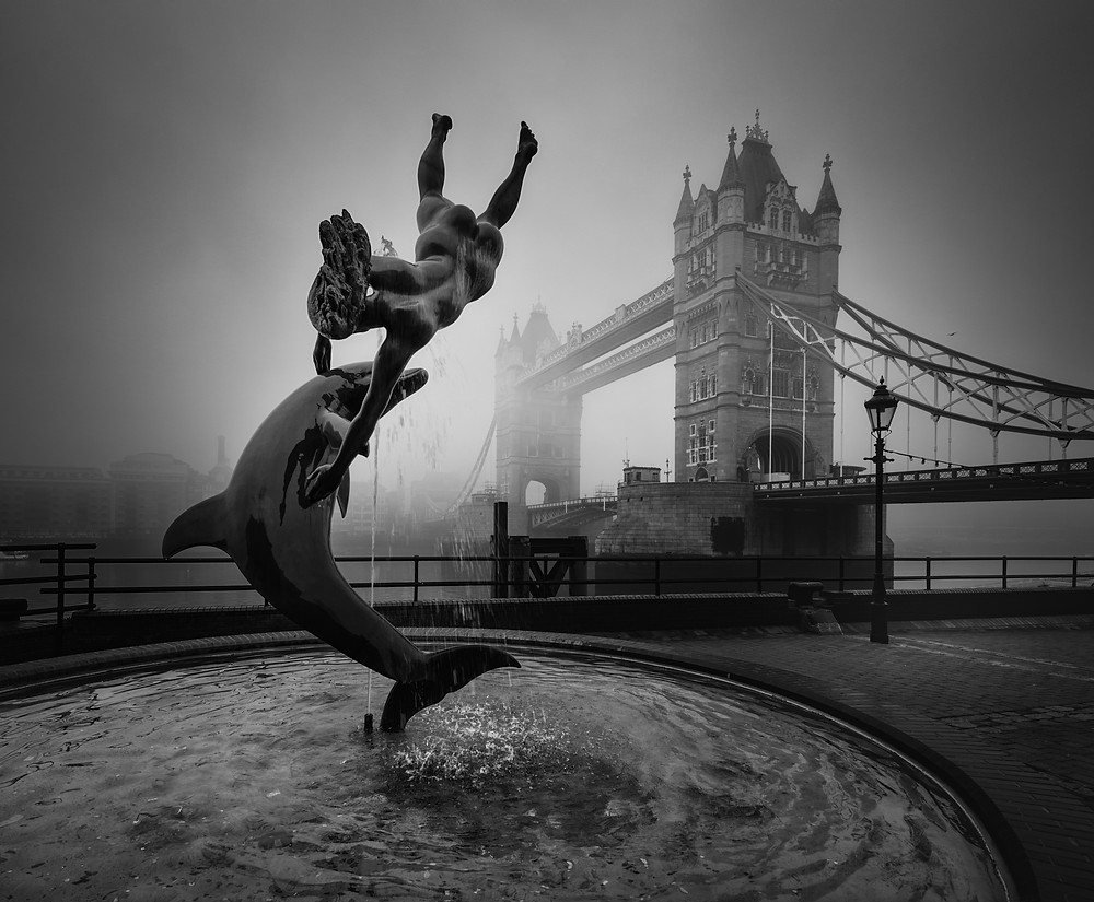 tower bridge fog