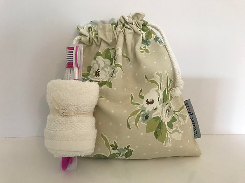 Sleep Over Bag (White Flowers)