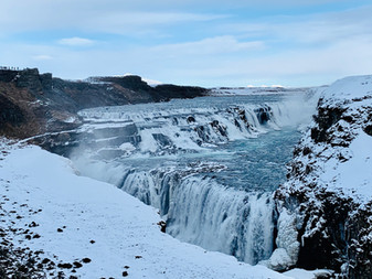 Iceland Trip Recap: waterfalls galore, icelandic horses, glaciers, geothermal pools, hidden caves, t