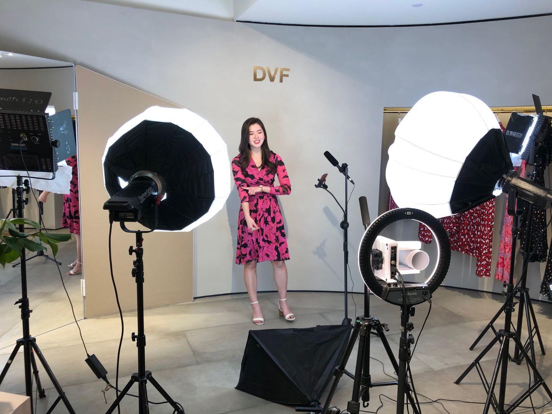 DVF-livestream-at-Shanghai-Fashion-Week_