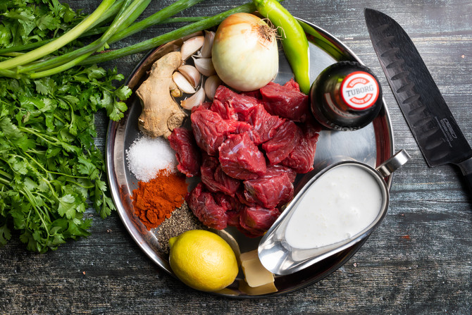 תבשיל בשר צוואר ואורז ליד