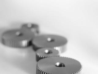 EE.UU. impone nuevos aranceles a las importaciones de acero y aluminio