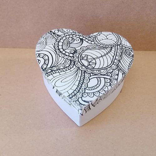 Paisley heart doodle box