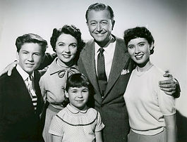 033A = Father_Knows_Best_cast_1954.jpg