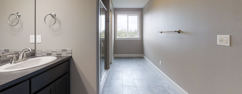 9Nkwoa25e5p-Bathroom.jpg