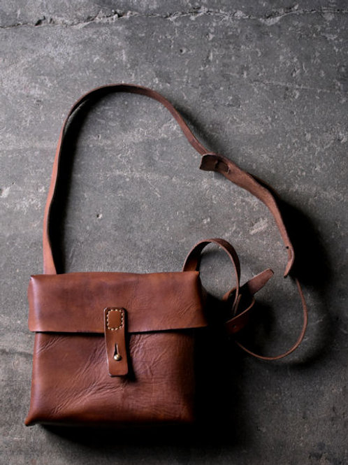 "Leather shoulder bag ""B"""