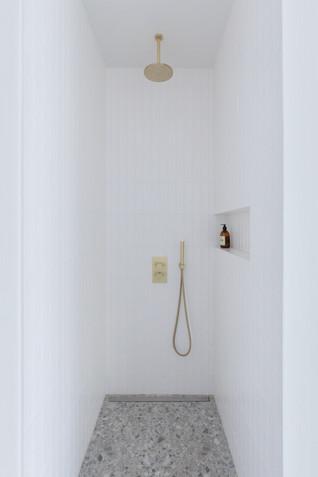 Yanna Williams-Square Trudaine-LJ-090320