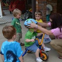 Bike Helmet Distribution 08