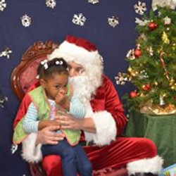 2015 Visit with Santa 12