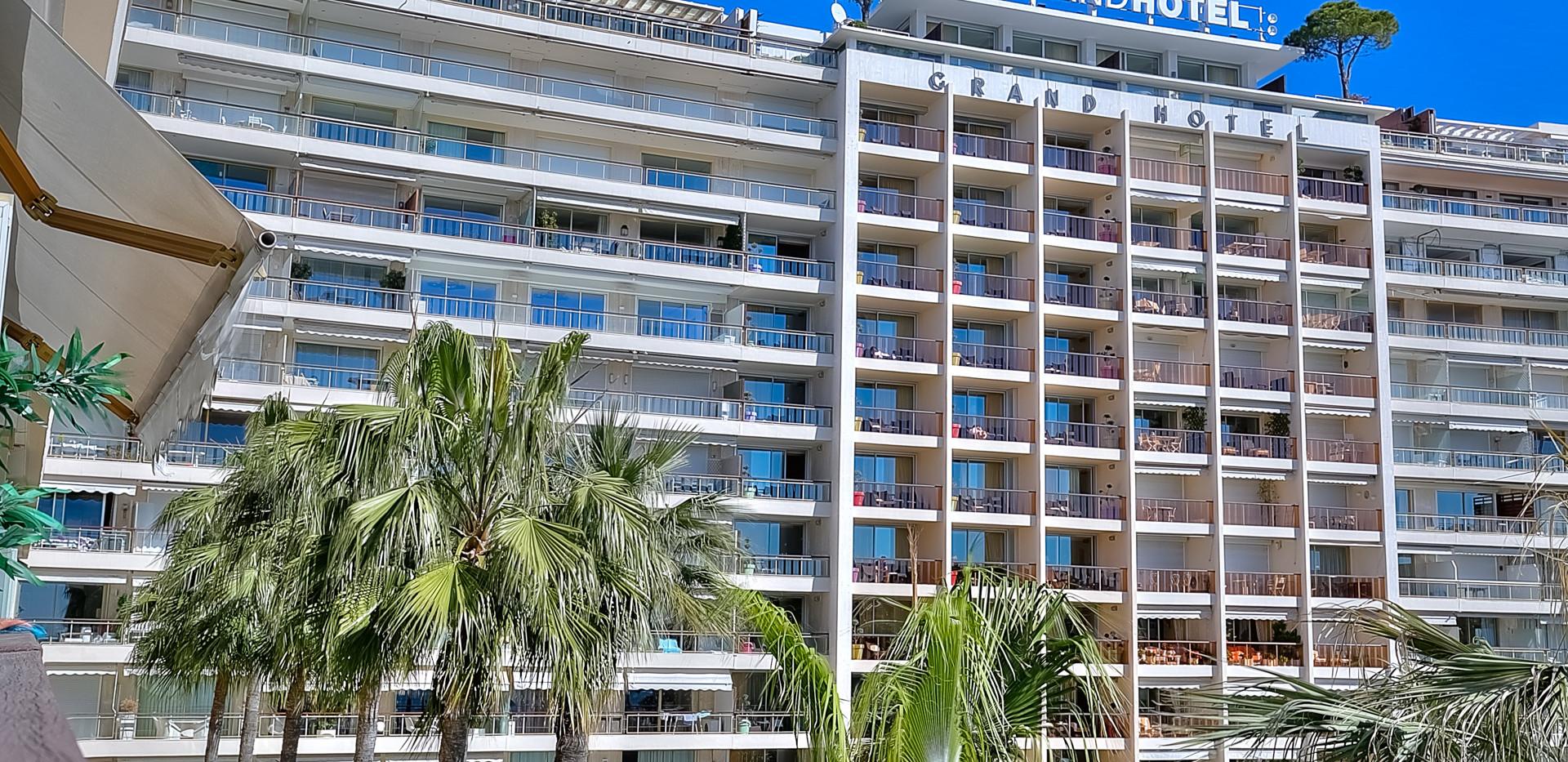 grand hotel-10.jpg