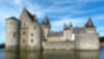 castle-sully-sur-loire_1250497_1920-560x