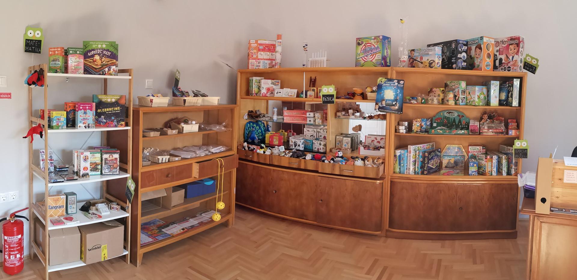 TudásCseppek bolt játékrészleg.jpg