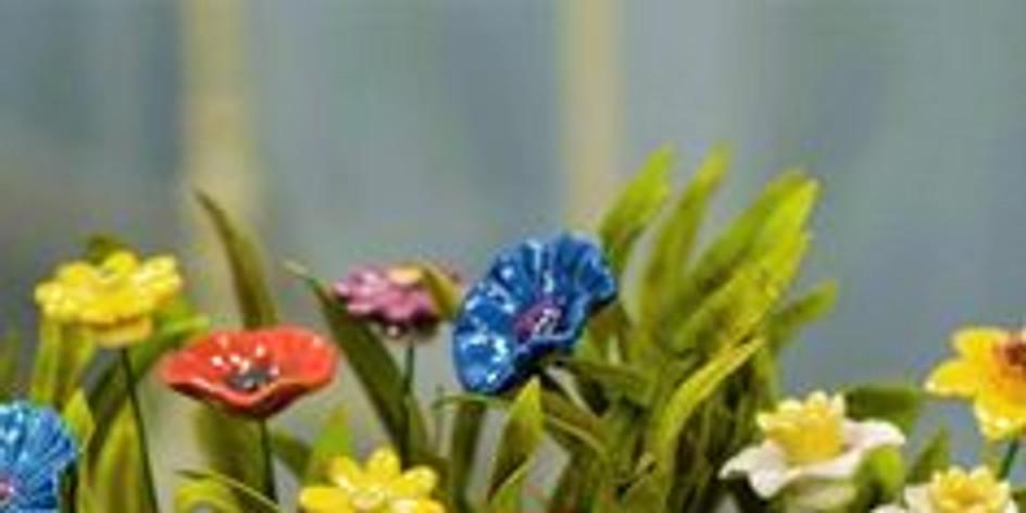 Családi kerámia:  virágdíszek a  lakásban, kertben 2 alk. (1.)
