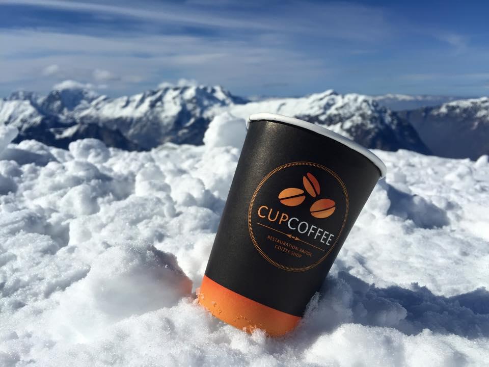 Cup sur un glacier