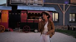 chanteuse bohème roulotte