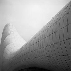 Aufnahmen des Heydar Aliyev Center in Baku. Gebäude der Ausnahme Architektin Zaha Hadid