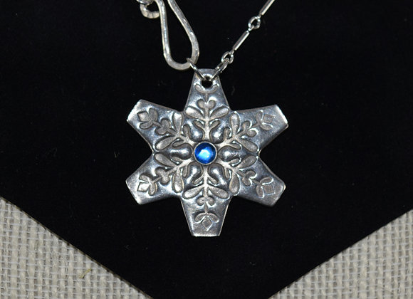 Nordic Snowflake front closure necklace