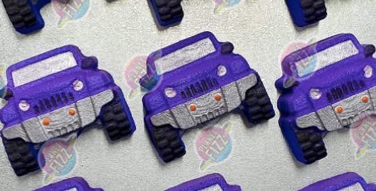 4 Wheeling Fun Plastic Bath Bomb Mold