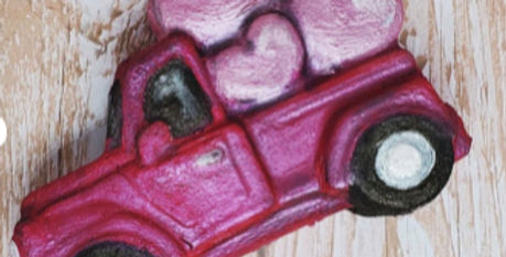 Old Fashioned Truck with Valentines Hearts© Bath Bomb Mold