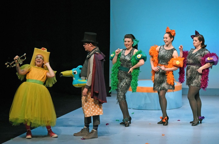 """""""Elephant and Piggie's We Are in a Play!"""" at Kennedy Center's Theater for Young Audience"""