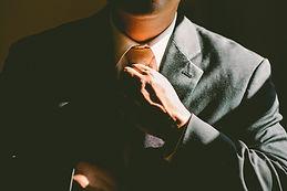 homme noeud de cravate costume cadre manager