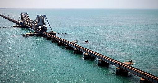 Pont de chemin de fer menant à Dhanushkodi