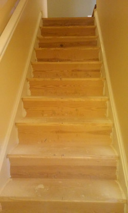 1st floor staircase before going up