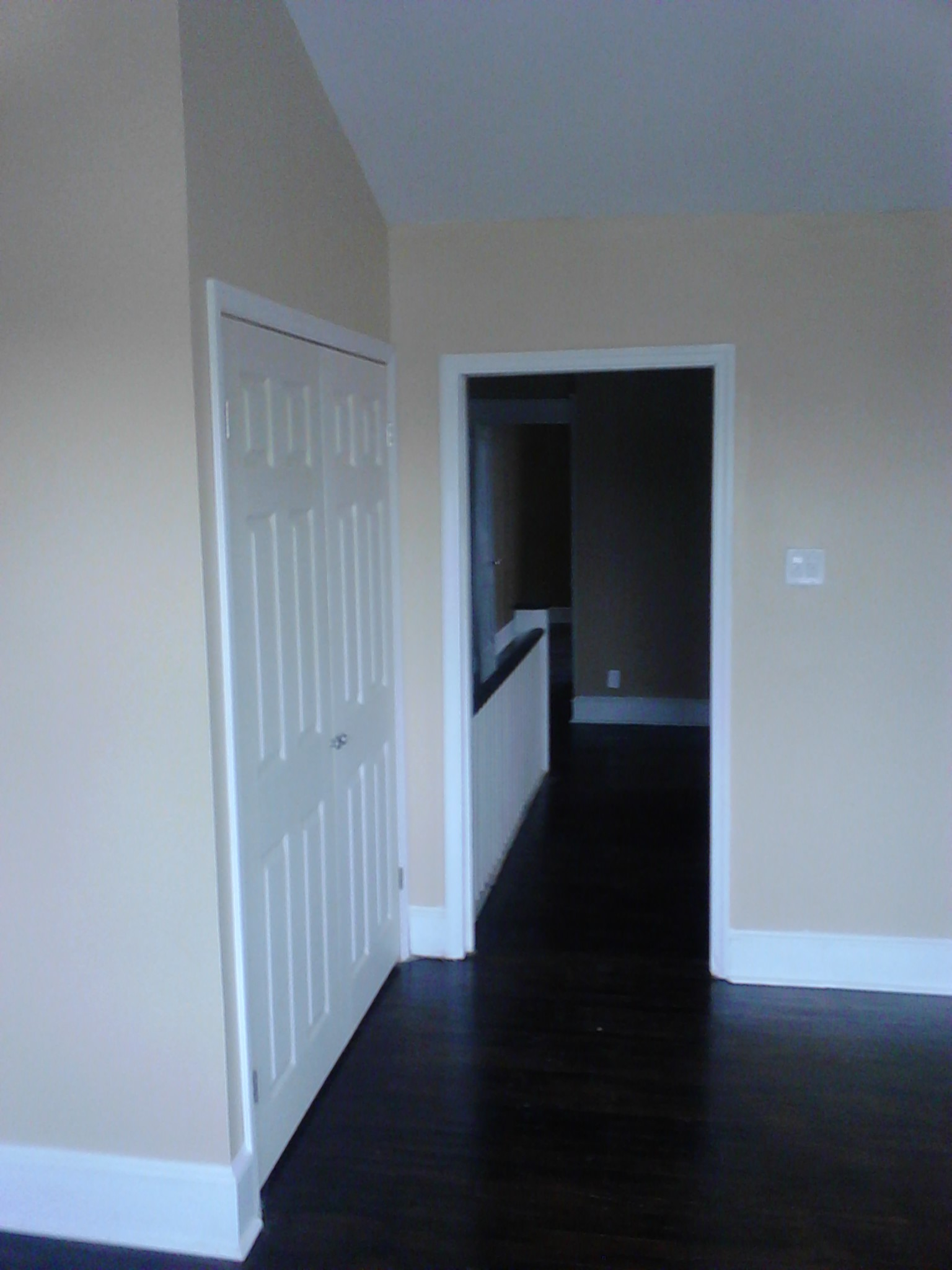 Front bedroom hallway view.jpg