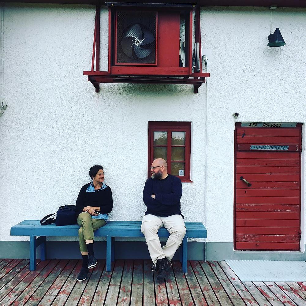 Fåröl Ingmar Bergmani kino ees koos taani kunstniku Lene Juhliga. FOTO ARNBJÖRG DANIELSEN