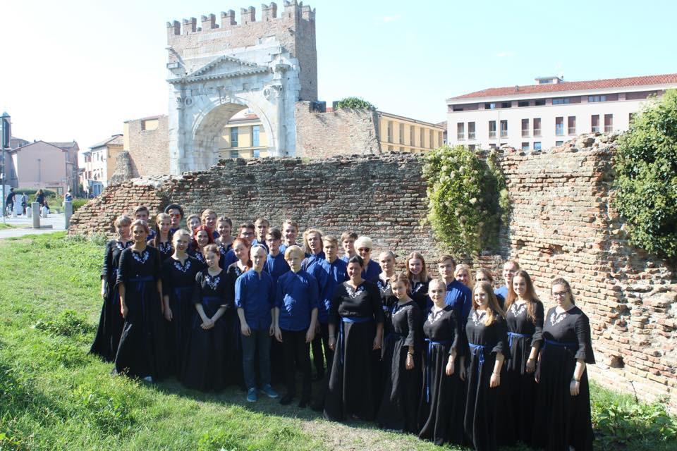 Tallinna muusikakeskkooli kammerkoor Riminis. FOTOwww.tmkk.edu.ee