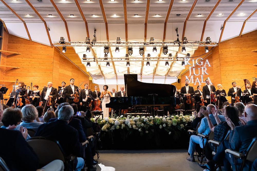 Yuja Wang ja Iisraeli filharmoonikud Jūrmalas. FOTO SØREN MEISNER
