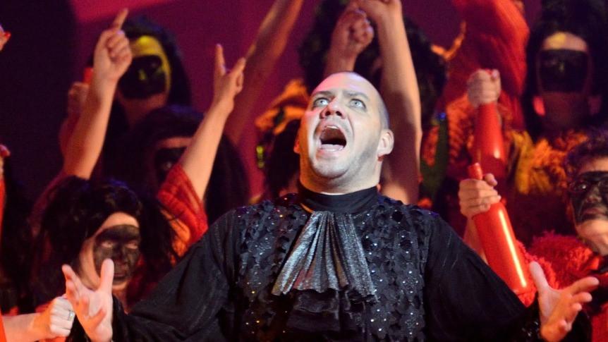 Üks hiilgerolle - kullassepp Cardillac Paul Hindemithi samanimelises ooperis. FOTO HARRI ROSPU