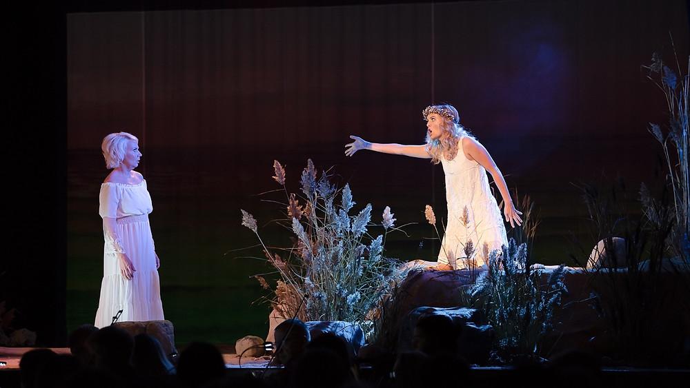 "Helen Lokuta ja Pirjo Jonas kammerooperis ""Ocean Dream"". FOTO MARI-LIIS NELLIS"