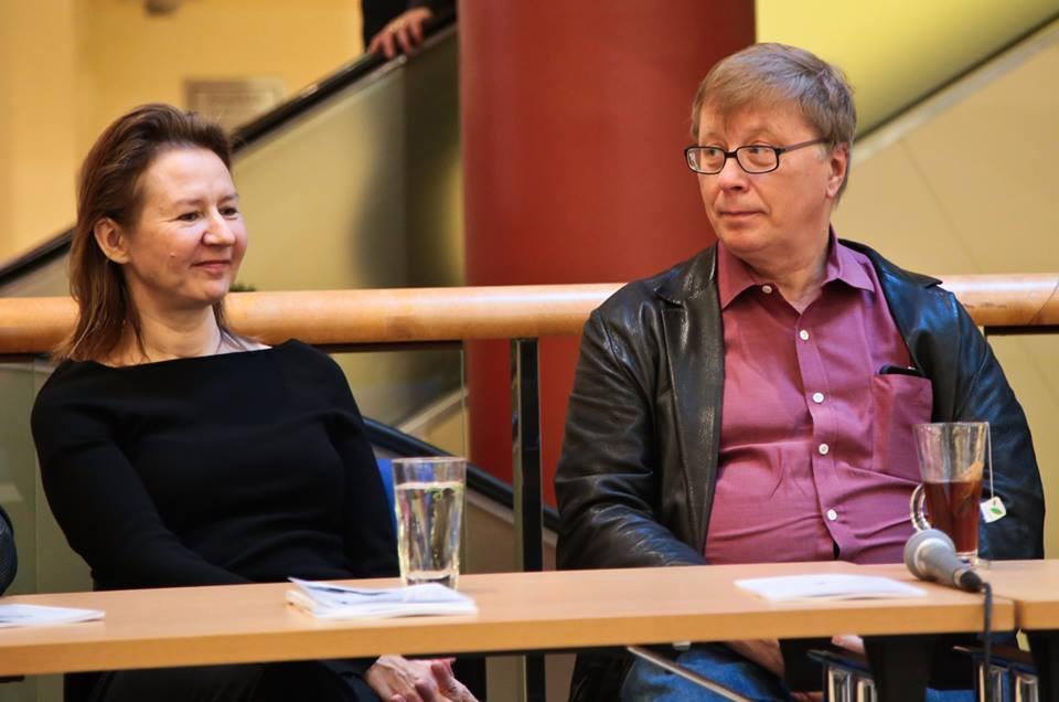Festivali kunstiline juht Monika Mattiesen ja nimihelilooja Georg Friedrich Haas Solarise keskuses pressikonverentsil. FOTO AFEKT